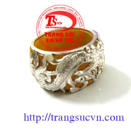 Nhẫn đá quý màu vàng